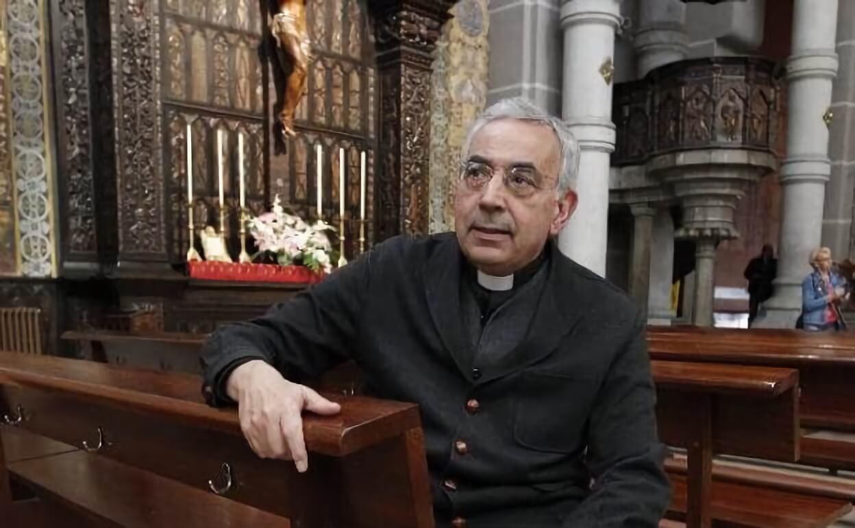 Charla del Rector del Sagrado Corazón a la Asociación de Maestros Católicos en Oviedo