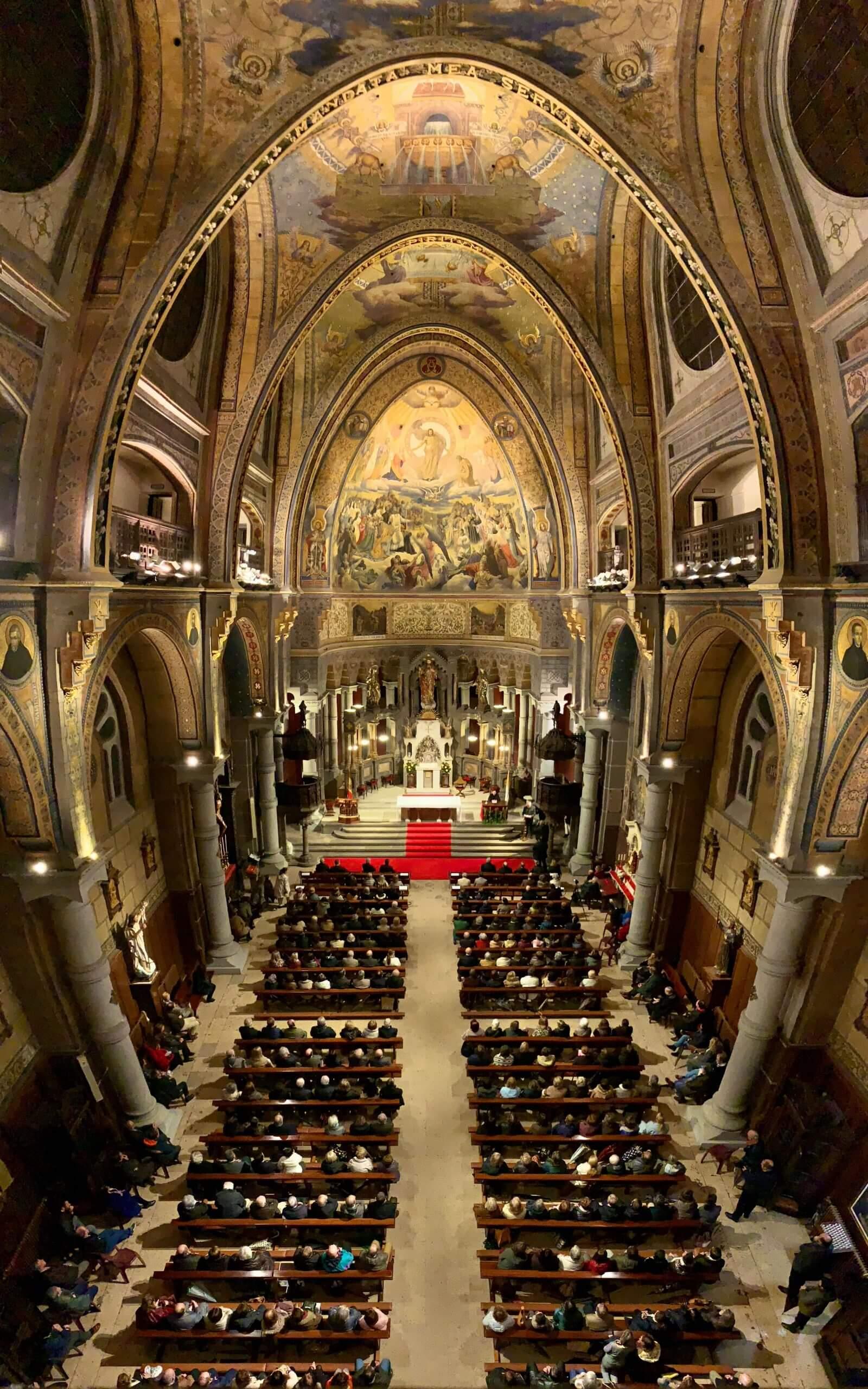 Mariano Fazio llena la Basilica en la primera conferencia sobre el Papa Francisco